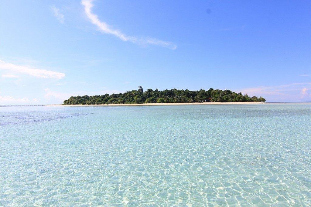 BORNEO – DERAWAN ISLAND