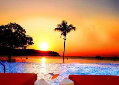 HVL-La-Villa-Pool-Club-Restaurant-Infinity-Pool-1348x750-