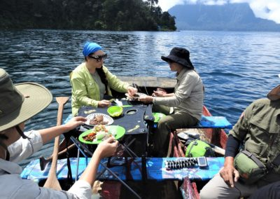 02 Enjoy Lunch on The Lake